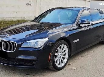 Продажа б/у седан BMW 7 серия 2013 года - купить на Автобазаре