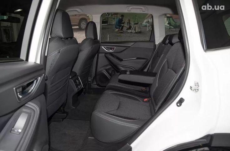 Subaru Forester 2021 белый - фото 14