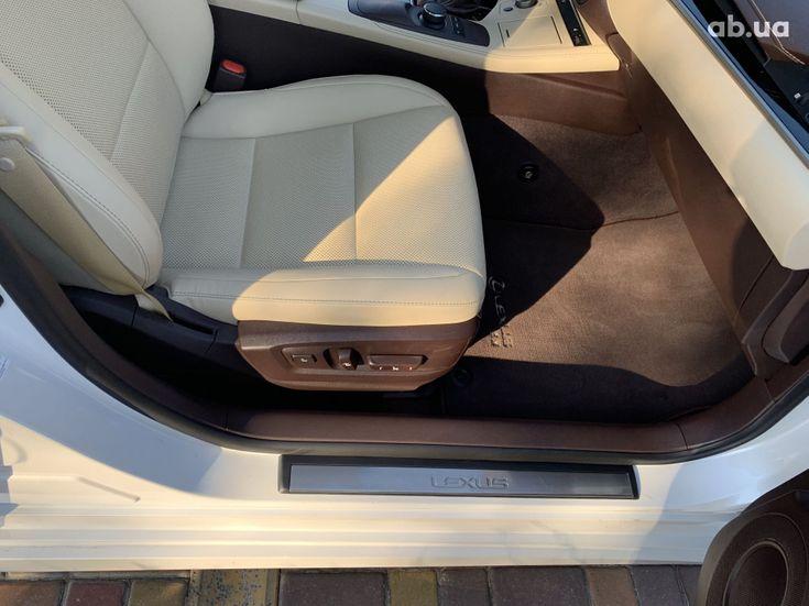 Lexus ES 2017 белый - фото 9