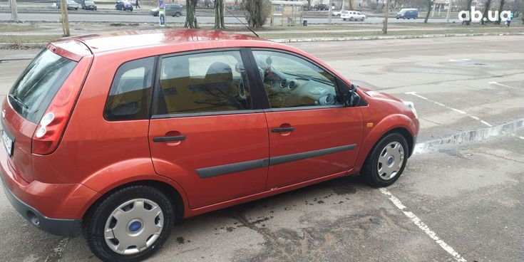 Ford Fiesta 2008 красный - фото 11