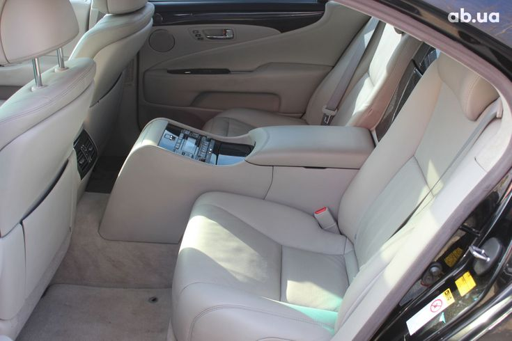 Lexus LS 2010 черный - фото 4