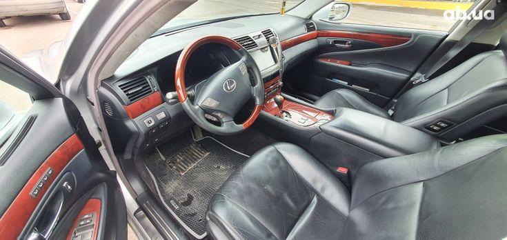 Lexus LS 2007 серебристый - фото 9