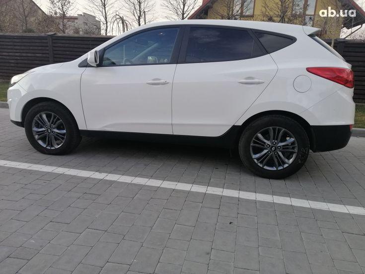 Hyundai Tucson 2015 белый - фото 3