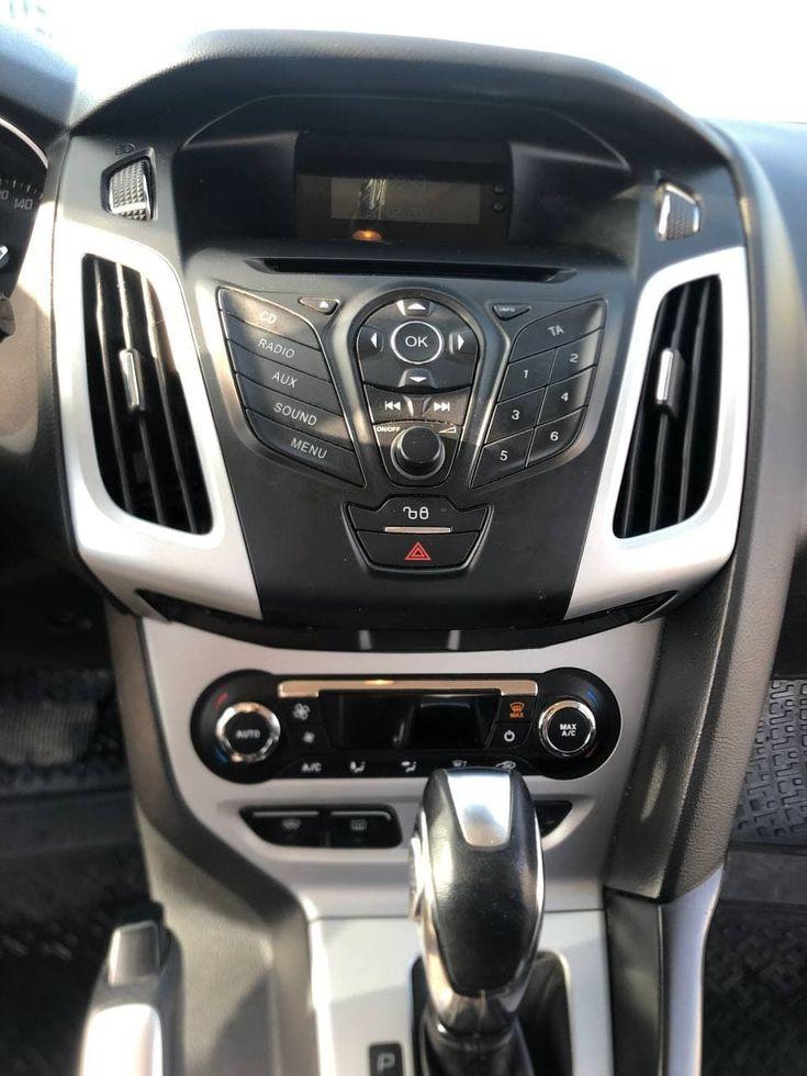 Ford Focus 2012 красный - фото 12
