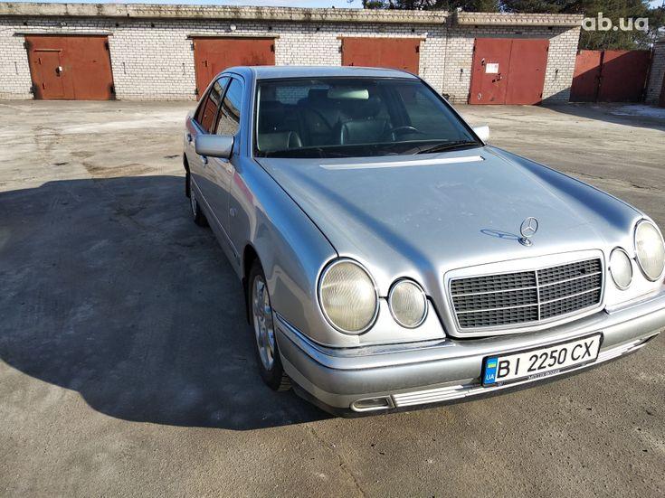 Mercedes-Benz E-Класс 1998 серый - фото 1