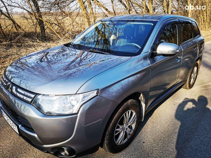 Mitsubishi Outlander 2014 серый - фото 1