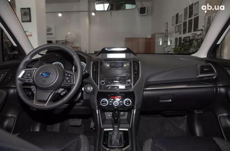 Subaru Forester 2021 белый - фото 17