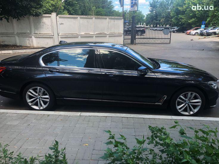 BMW 7 серия 2015 - фото 6