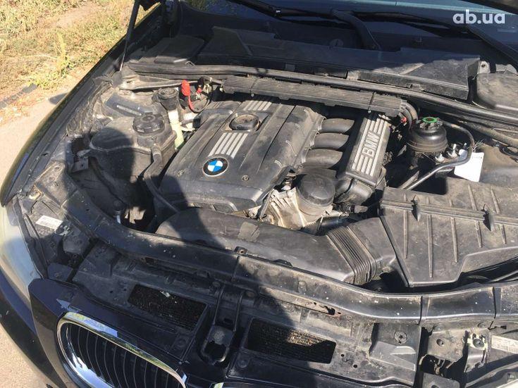 BMW 3 серия 2010 черный - фото 16