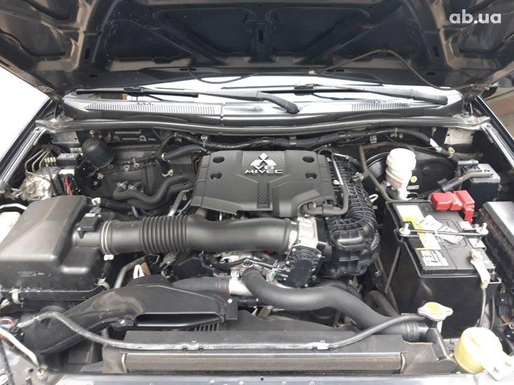 Mitsubishi Pajero Sport 2011 черный - фото 9