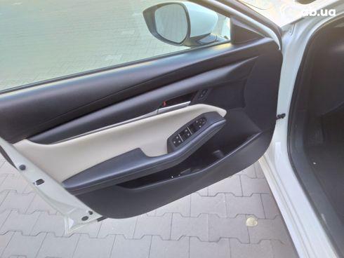Mazda 3 2019 белый - фото 19