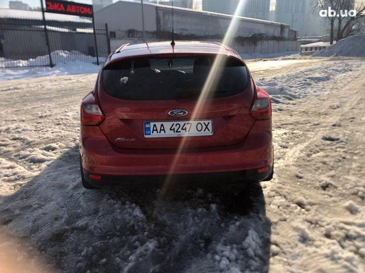Ford Focus 2012 красный - фото 6