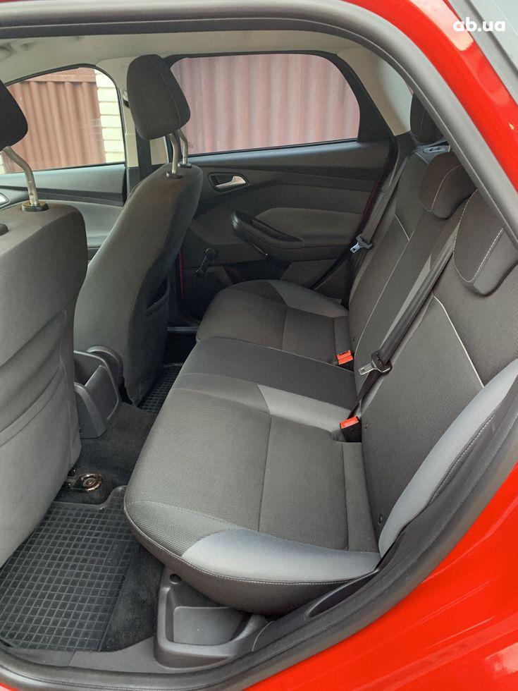 Ford Focus 2011 красный - фото 14