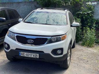 Автомобиль бензин Киа Sorento 2011 года б/у - купить на Автобазаре