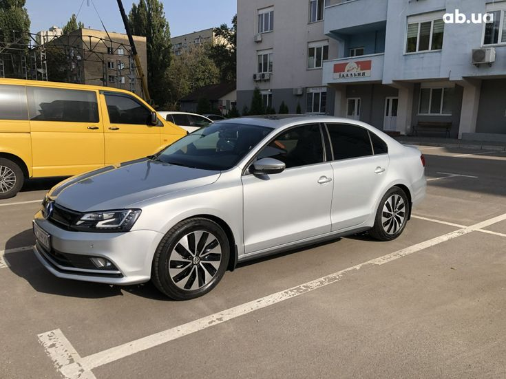 Volkswagen Jetta 2016 серый - фото 1