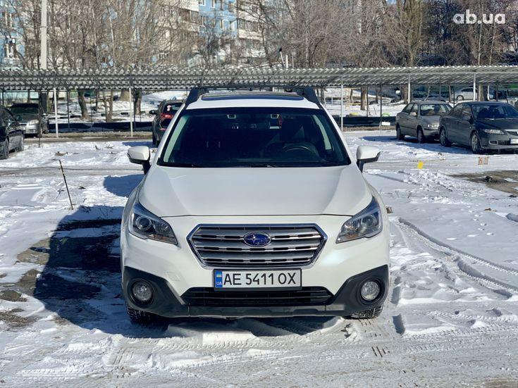 Subaru Outback 2017 белый - фото 3