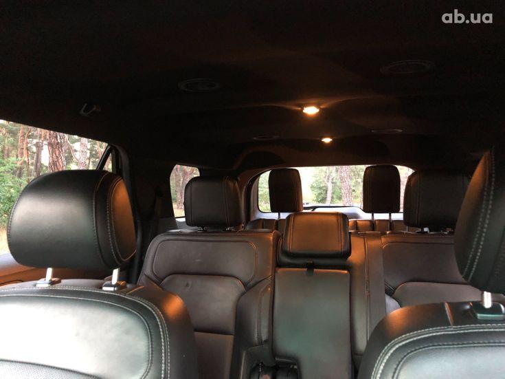 Ford Explorer 2016 серебристый - фото 8