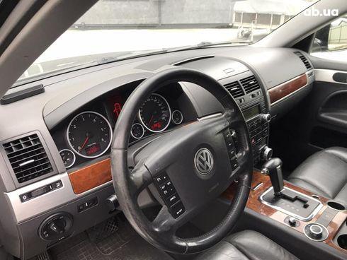 Volkswagen Touareg 2007 черный - фото 6