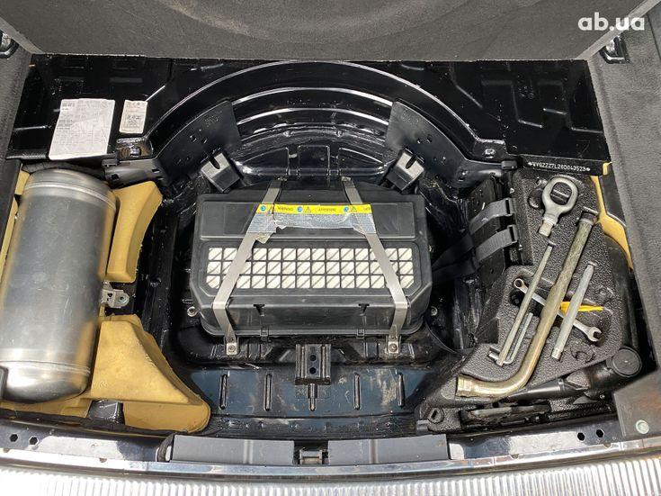 Volkswagen Touareg 2005 черный - фото 9