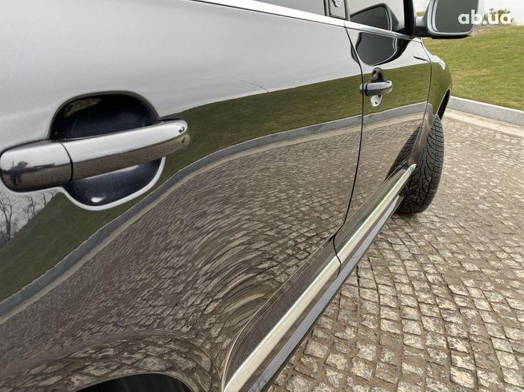 Volkswagen Touareg 2005 черный - фото 5