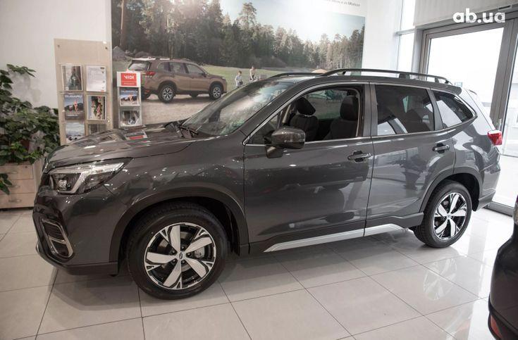 Subaru Forester 2020 серый - фото 3