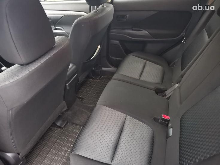 Mitsubishi Outlander 2014 серый - фото 13