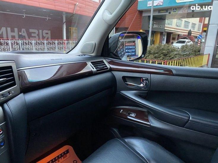 Lexus LX 2013 белый - фото 10