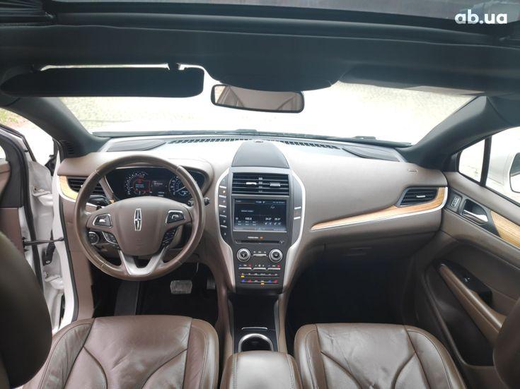 Lincoln MKC 2015 белый - фото 4