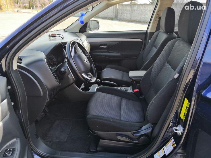 Mitsubishi Outlander 2014 синий - фото 12