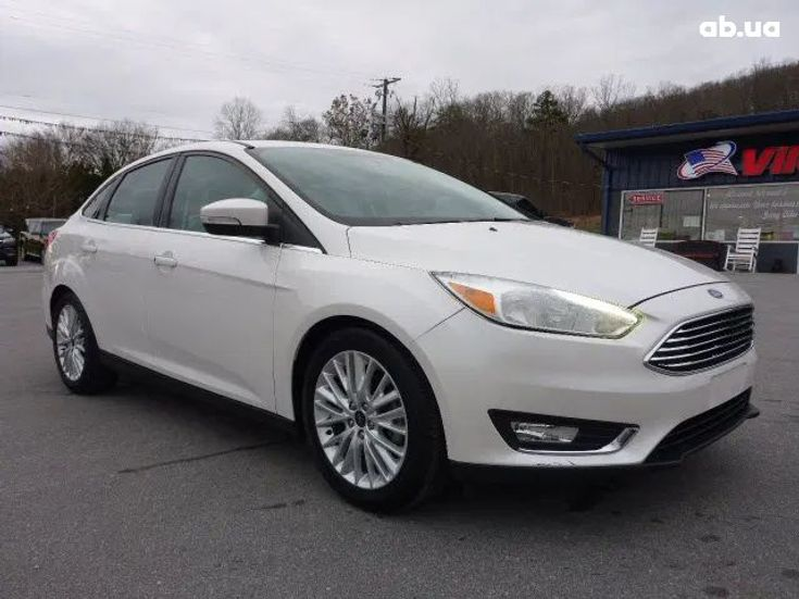 Ford Focus 2018 белый - фото 1