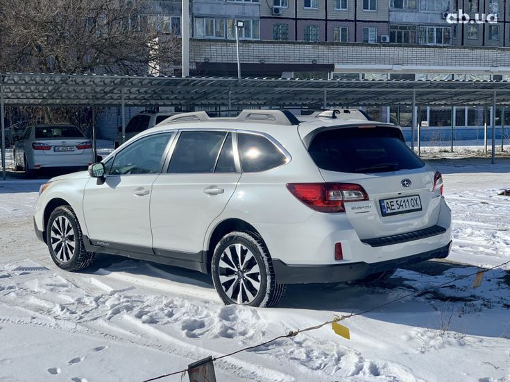 Subaru Outback 2017 белый - фото 5