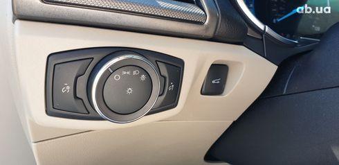 Ford Fusion 2017 белый - фото 10