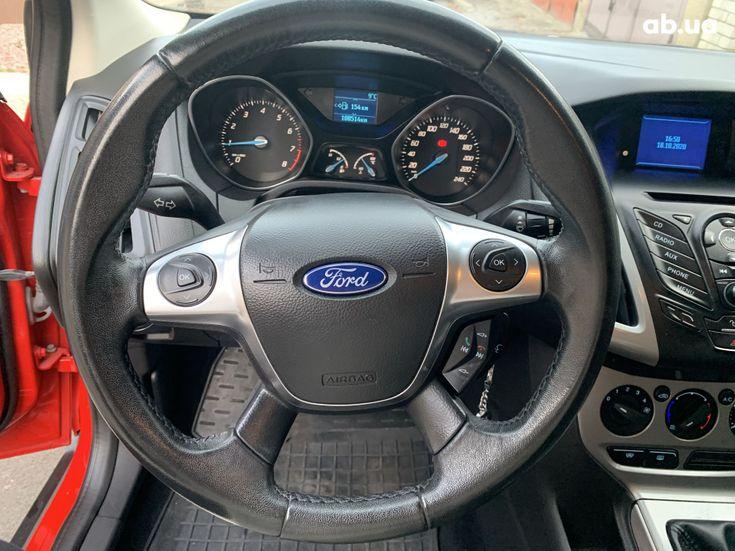 Ford Focus 2011 красный - фото 11