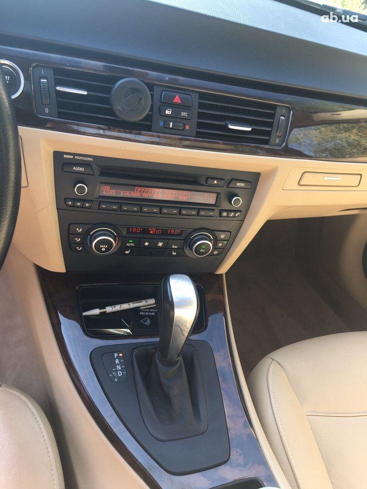 BMW 3 серия 2010 черный - фото 6