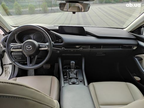 Mazda 3 2019 белый - фото 14