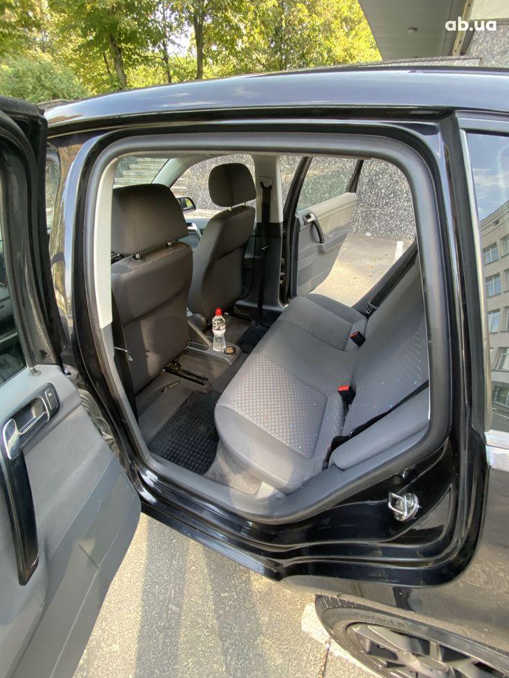 Volkswagen Polo 2004 черный - фото 2