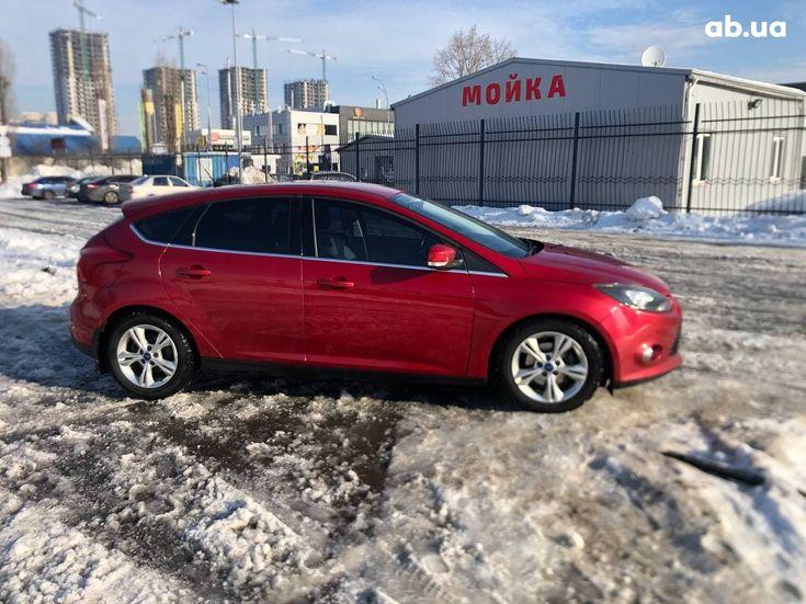 Ford Focus 2012 красный - фото 4