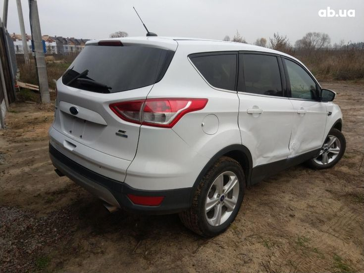 Ford Escape 2016 белый - фото 5