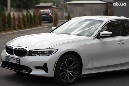 BMW 3 серия 2019 белый - фото 15