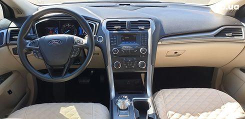 Ford Fusion 2017 белый - фото 12
