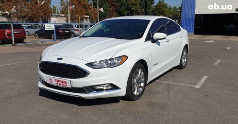 Ford Fusion 2017 белый - фото 1