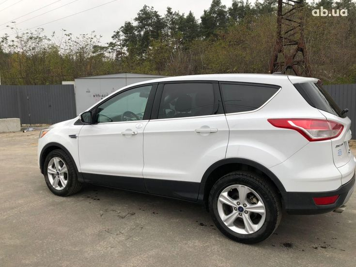 Ford Escape 2016 белый - фото 7