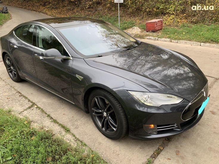 Tesla Model S 2015 серый - фото 1