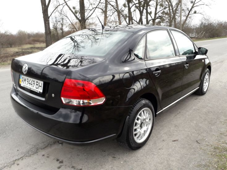 Volkswagen Polo Sedan 2012 черный - фото 2
