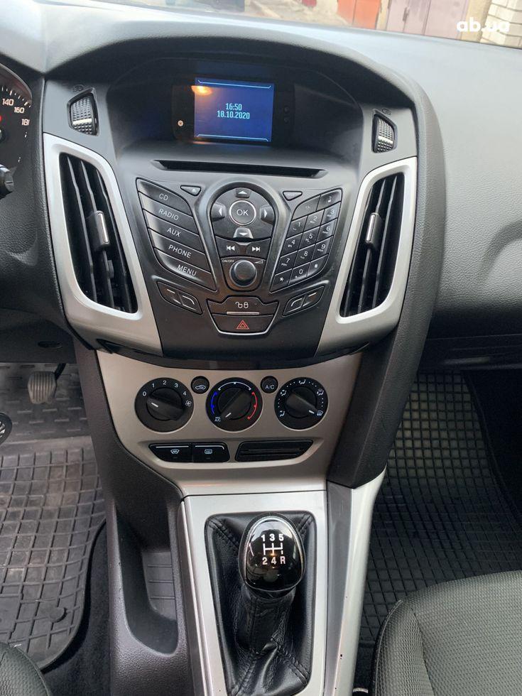Ford Focus 2011 красный - фото 5