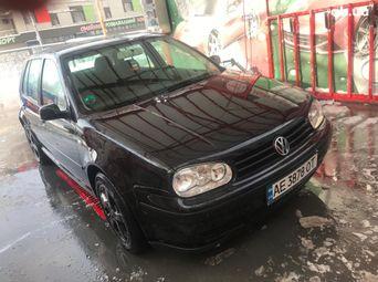 Автомобиль бензин Фольксваген Golf 2001 года б/у - купить на Автобазаре