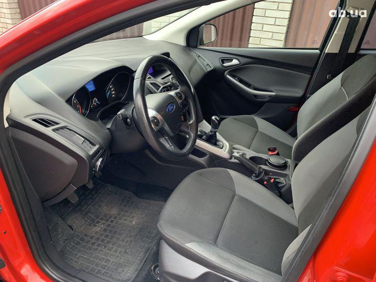 Ford Focus 2011 красный - фото 13