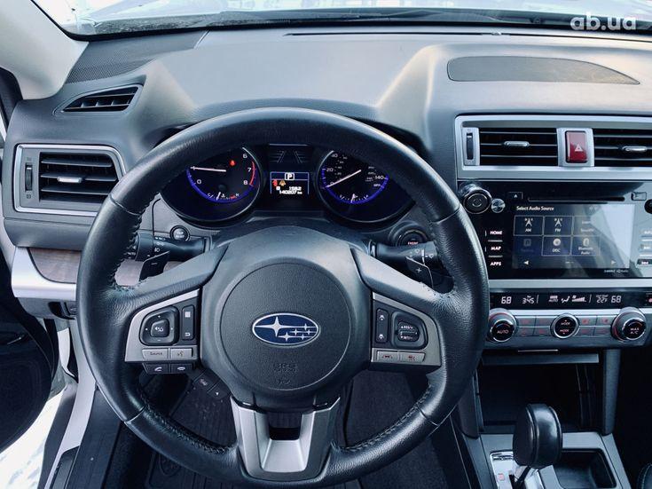 Subaru Outback 2017 белый - фото 12