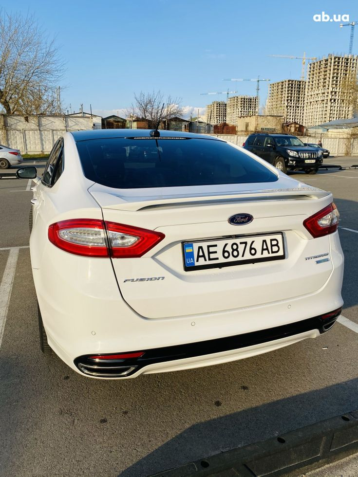 Ford Fusion 2014 белый - фото 2
