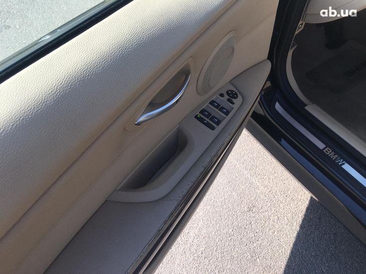 BMW 3 серия 2010 черный - фото 15